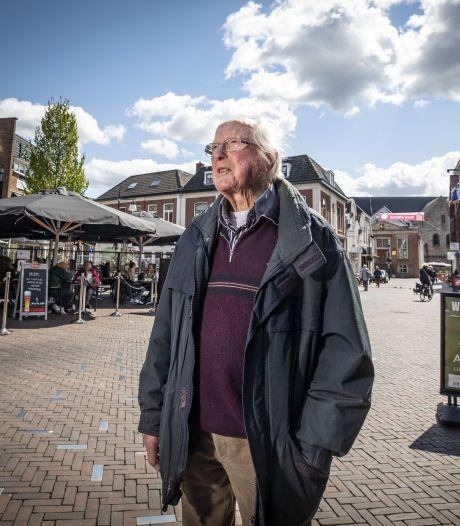 76 jaar na de explosie op de Groote Markt in Oldenzaal ziet Henk Poorthuis nog steeds de slachtoffers voor zich