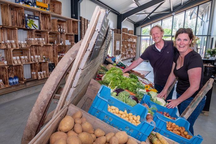 Anneke en Rutger Daamen hebben aan de Duffeltdijk 34 in Kekerdom een boerderijwinkel geopend.