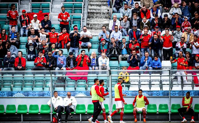 Supporters van Marokko tijdens de vriendschappelijke wedstrijd tegen Estland voorafgaand aan het WK voetbal in Rusland.