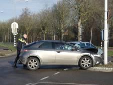 Baby en peuter met hun ouders naar ziekenhuis gebracht na botsing auto's in Nijmegen