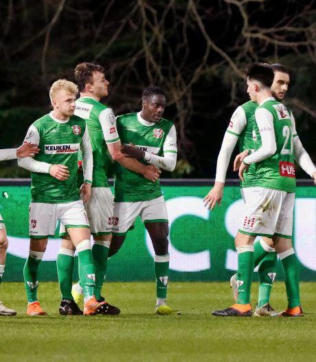 FC Dordrecht door knappe zege bij Jong PSV weer snel verlost van de laatste plaats