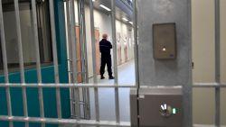 Inbreker laat opzettelijk DNA achter, wil terug naar gevangenis om Canal+ te kijken in cel