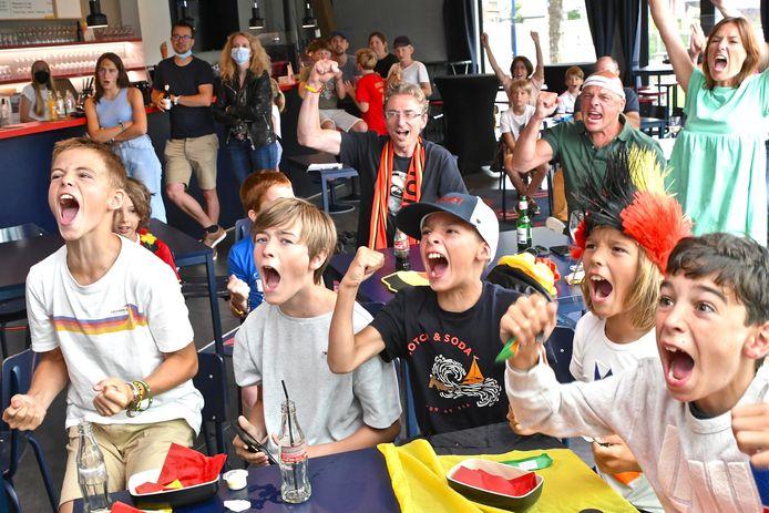 Jong en oud ging uit de bol in de kantine van Roeselare Rangers.