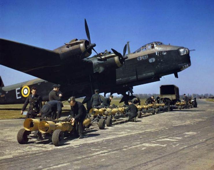 Britse bommenwerper Short Stirling gevonden in het Markermeer.