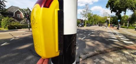 'Slimme' drukknop helpt voetgangers in Tilburg: langer groen bij het oversteken