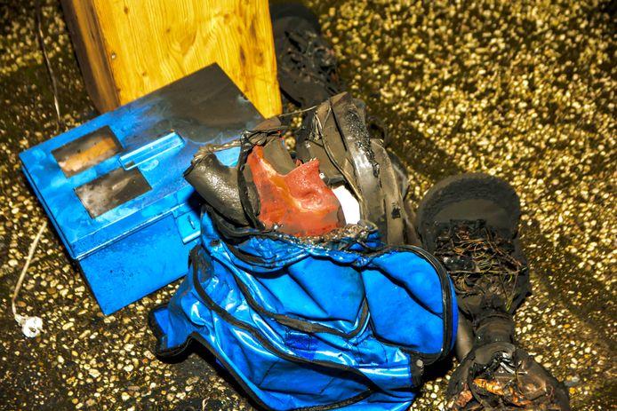 Bij de brand heeft een persoon veel rook ingeademd. Deze moest worden overgebracht naar het ziekenhuis.