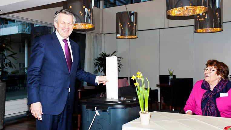 Shell-ceo Ben van Beurden stemt in Wassenaar op de VVD. Beeld Renate Beense