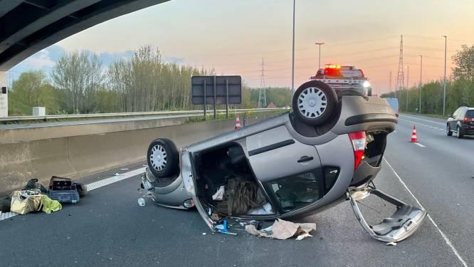 Automobilist gewond na buiteling op E17 in Deerlijk