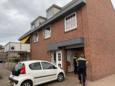 Het pand in het centrum van Sint Willebrord waar de recherche dinsdagmorgen binnenviel en de bewoner aanhield op verdenking van grootschalige vuurwerkhandel.