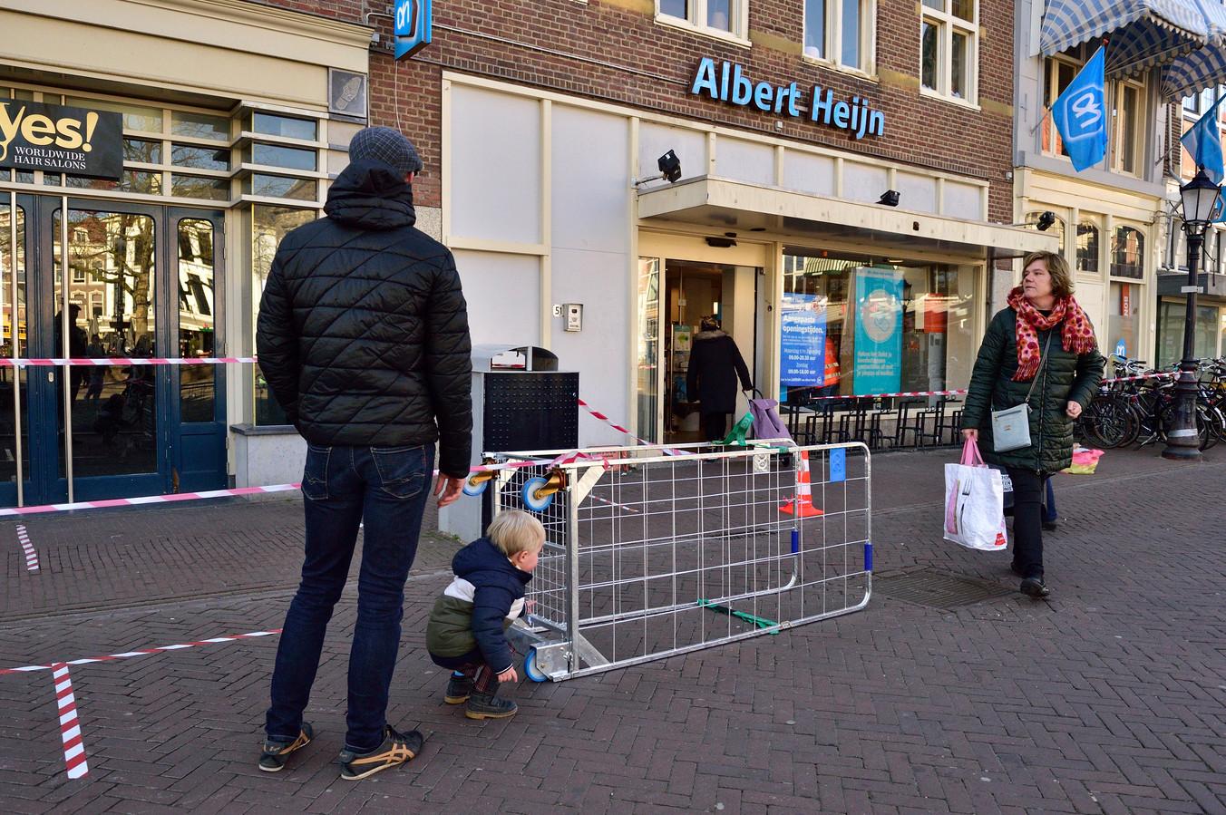 Archieffoto. Albert Heijn-vestiging aan de Markt in Gouda.