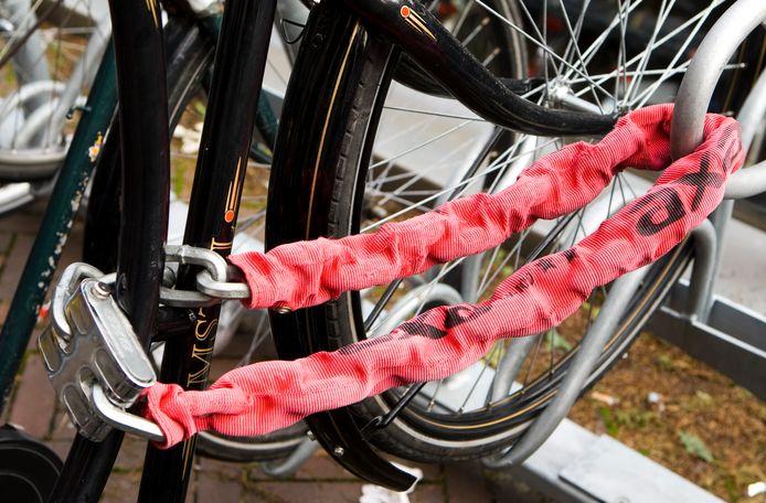 In enkele maanden kon het duo in Izegem en Roeselare maar liefst 18 fietsen stelen.