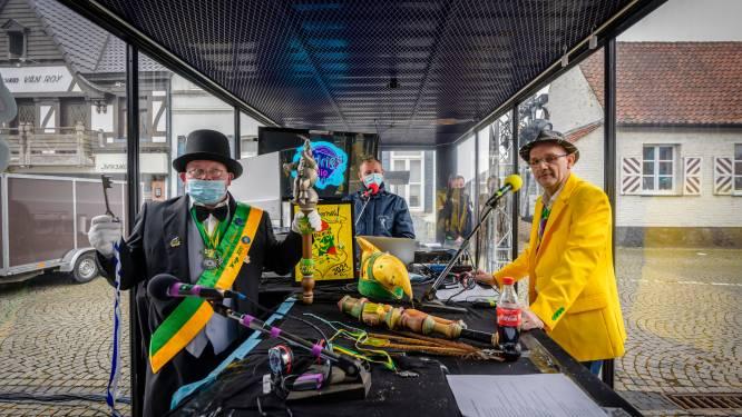 Geen carnaval, wel glazen huis met Radio Andries op Wiezeplein