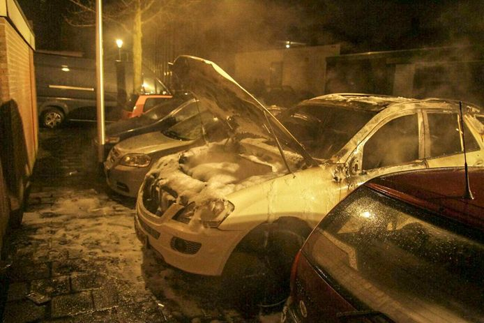 Autobranden in Helmond.