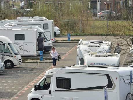 Nieuwe maatregelen tegen parkeeroverlast campers op Klein Amerika in Gouda