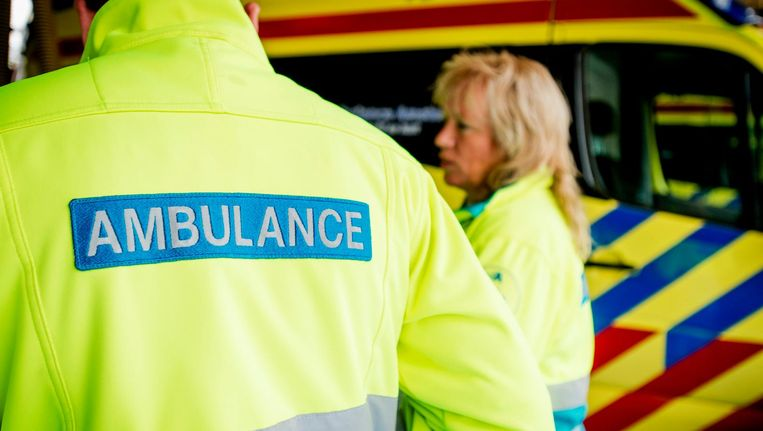 Duijf: 'Het kost tijd en moeite om een vrije ambulance te vinden. Daar gaat extra tijd aan verloren' Beeld Robin van Lonkhuijsen/ANP