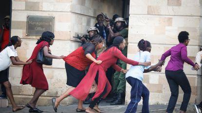 """Medewerkers zitten nog steeds vast in hotel Nairobi. Politie: """"Aanvallers viseerden Amerikaanse conferentie"""""""