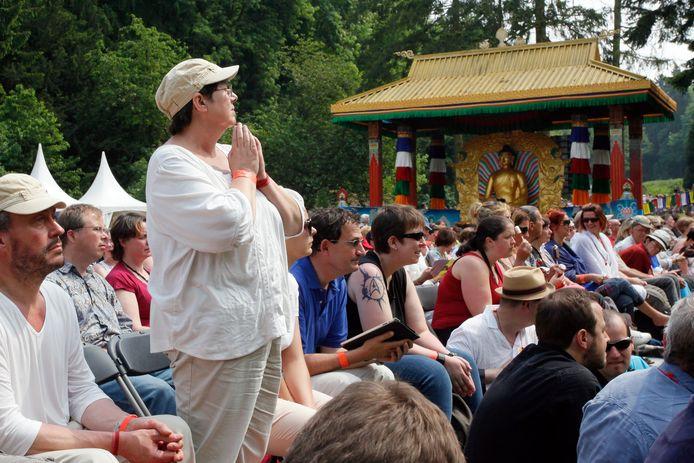 Bijeenkomst bij het Tibetaanse klooster Yeunten Ling in Huy (België), waar ook clienten van Ciran heen werden gestuurd.