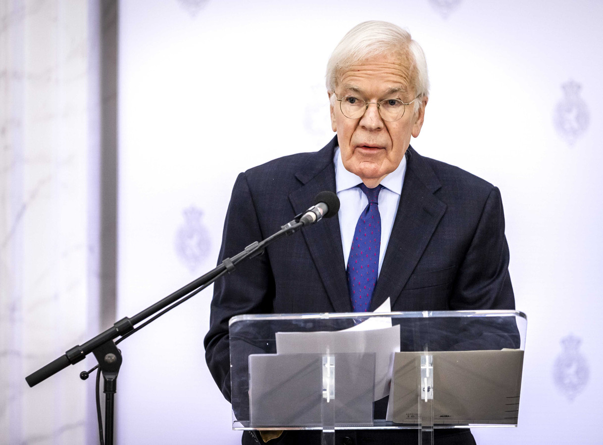 De afgelopen weken sprak Tjeenk Willink onder anderen met de leiders van de zeventien fracties uit de Tweede Kamer om te horen welke kant de formatie wat hen betreft op zou moeten.