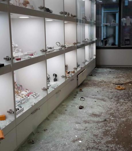 Alsnog verdachte opgepakt voor ramkraak op Sleeuwijkse juwelier