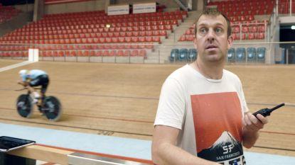 """Trainer Kurt Lobbestael volgt recordpoging van thuis uit: """"Campenaerts is klaar om werelduurrecord te breken"""""""