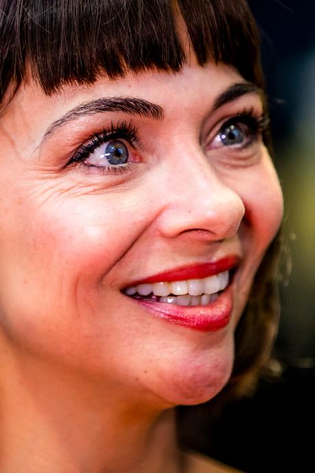 Georgina Verbaan van datingapps verwijderd