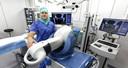 Orthopedisch chirurg Nanne Kort streek dit jaar neer in het Medisch Centrum Schijndel met zijn robot-technologie.