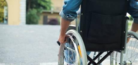 Drugsdealer Ton (36) croste in rolstoel door Ermelo om te verkopen, maar is 'te zwak' voor de gevangenis