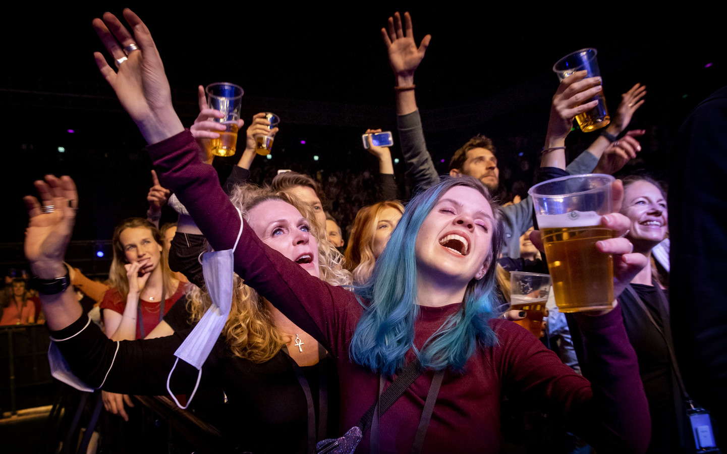 Bezoekers in de Ziggo Dome tijdens een optreden van André Hazes.