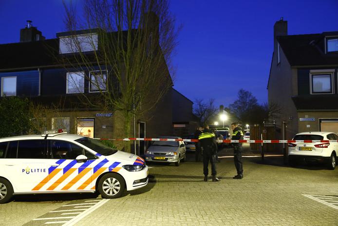 De politie heeft een deel van de Hanselaarmate afgezet.