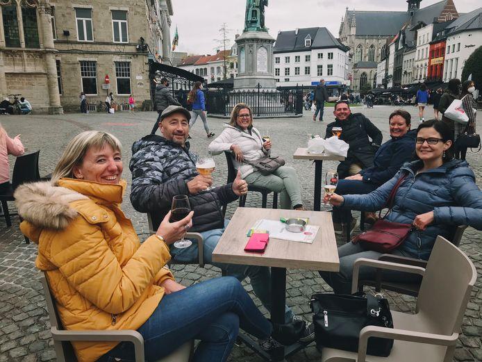 Nancy met haar vrienden.