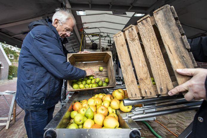 Ook dit jaar draait de Achterhoekse SapPers op de appeldag in Gelselaar.