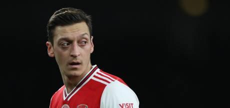 Geen Europa League voor Özil, vertrek bij Arsenal lijkt nabij
