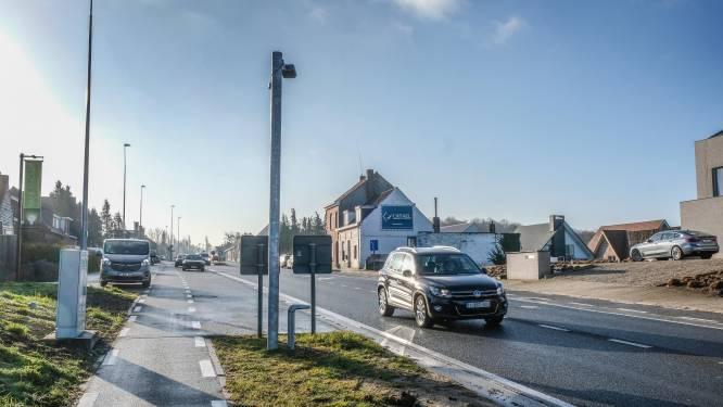 Trajectcontrole op Doornikserijksweg in Bellegem werkt eindelijk en levert al meteen 100 pv's op