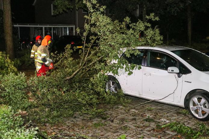 Schade aan auto's in Emmeloord
