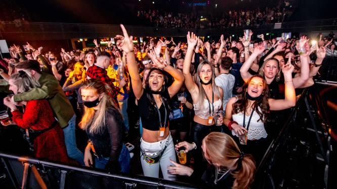 Eindelijk: weer dansen, juichen en flirten. Nederland test groot dance-event