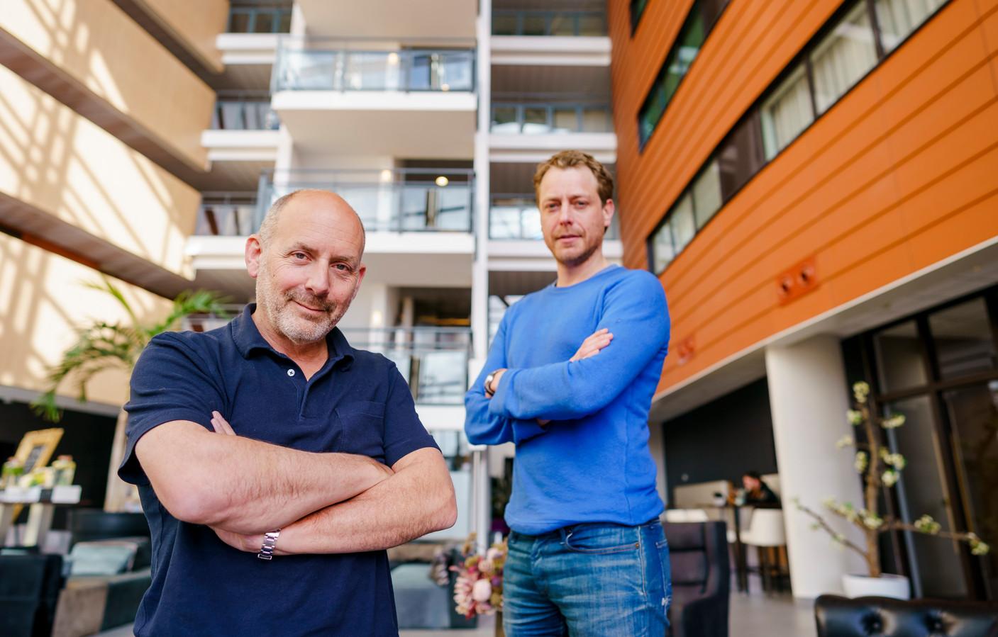 Filmproducenten Alain de Levita (links) en Mark van Eeuwen.