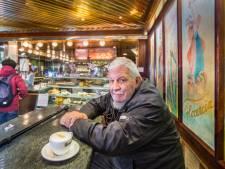 Vaste klant Bertus (77) mag eindelijk weer kopjes koffie drinken bij Florencia: 'Ik kom vier keer per week'