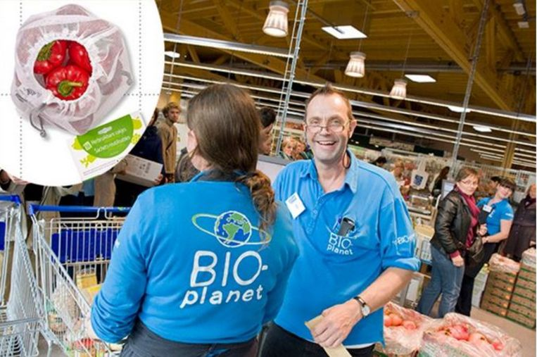 De herbruikbare zakjes voor groenten en fruit zijn vanaf vandaag te koop, onder meer in Bio-Planet in Kortrijk