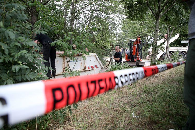 De politie op zoek in Hannover. Beeld EPA