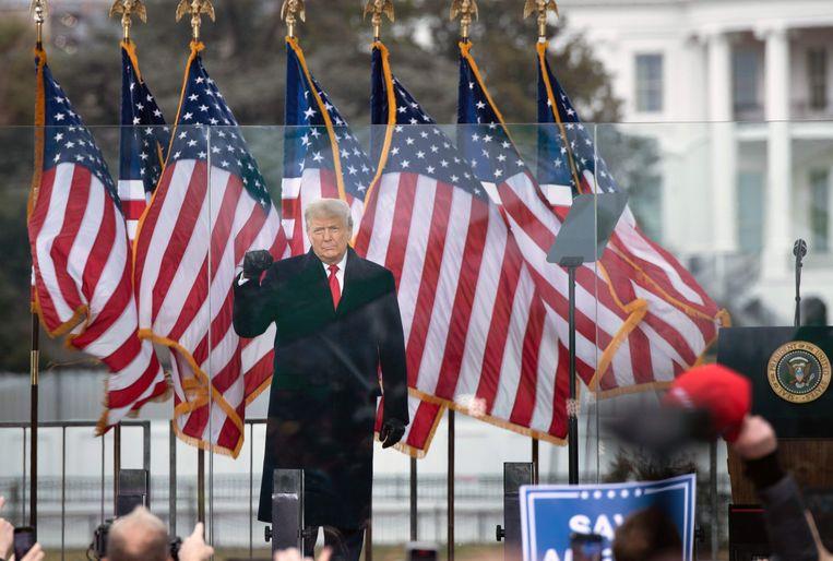Donald Trump tijdens zijn speech op 6 januari bij het Witte Huis. De voormalig president van de VS wordt aangeklaagd omdat hij zijn aanhangers zou hebben aangezet het Capitool te bestormen. Beeld AFP
