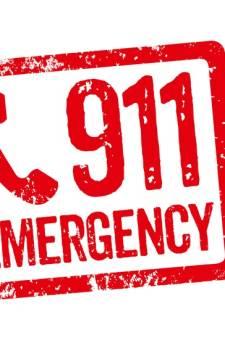 911-telefoniste heeft geen zin om te praten, duizenden bellers krijgen geen hulp