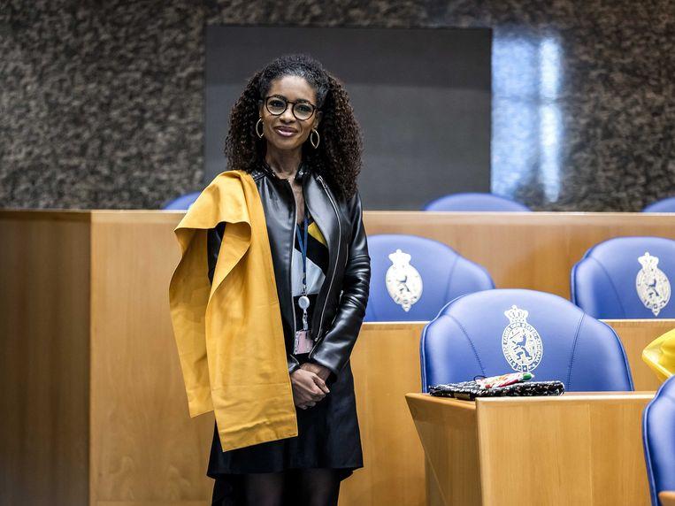 Sylvana Simons (BIJ1) tijdens de beëdiging als lid van de Tweede Kamer.  Beeld ANP
