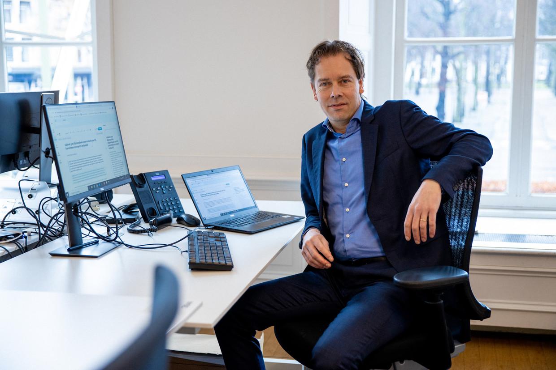 Chef Raoul du Pré op de Haagse redactie. Beeld Ines Vansteenkiste-Muylle