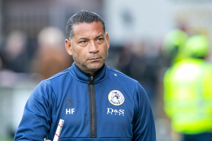 Henk Fraser voor de laatste competitiewedstrijd van Sparta tegen Go Ahead Eagles.