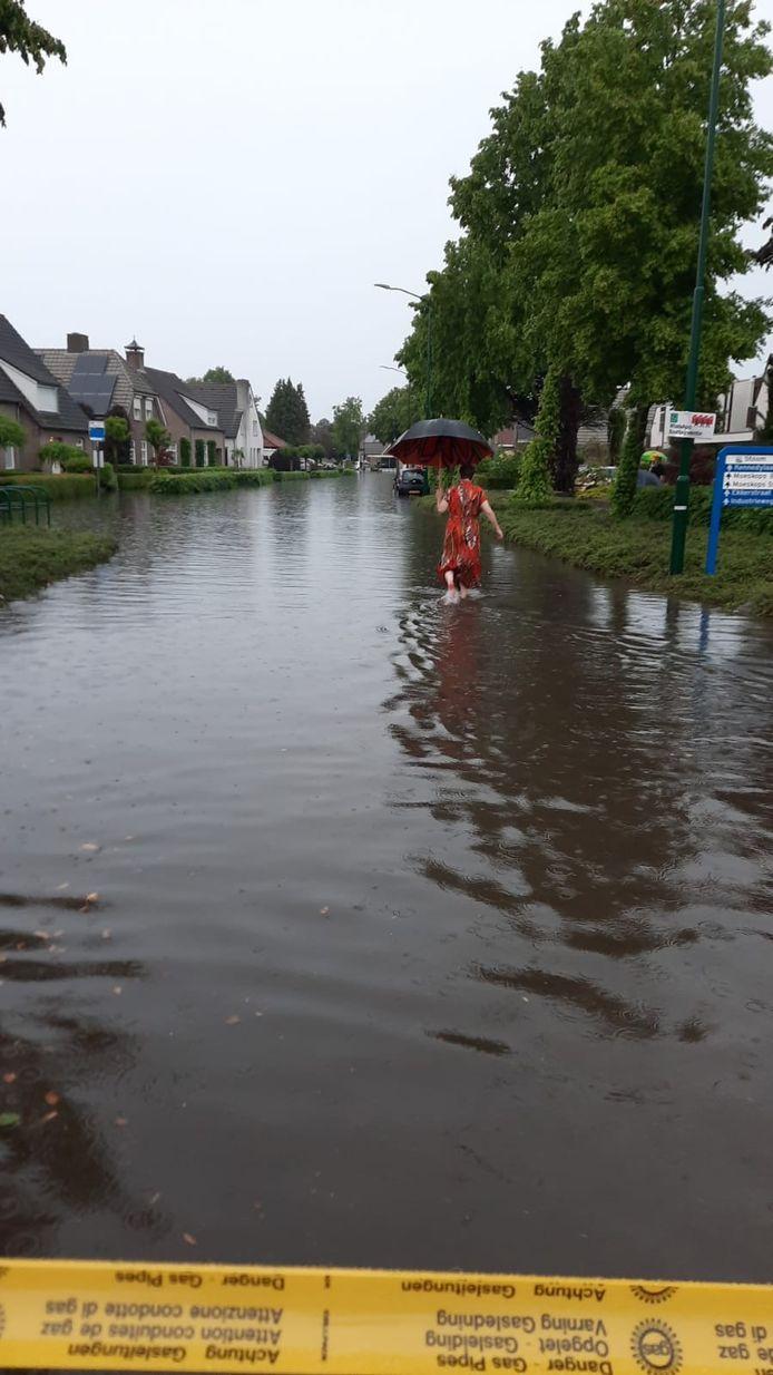 Het is een natte bedoening in Bergeijk.