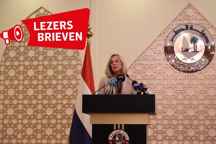 Voormalig demissionair minister Kaag op een diplomatieke missie in Qatar om de taliban te bewegen Nederlandse helpers te laten gaan.
