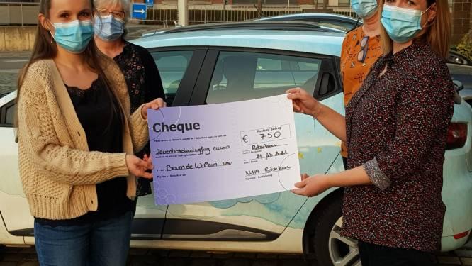 N-VA Rotselaar schenkt 750 euro aan vzw Boven De Wolken
