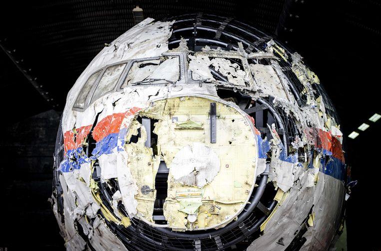 De uit wrakstukken samengestelde reconstructie van het toestel van vlucht MH17 die voor de rechtszaak werd getoond op vliegbasis Gilze-Rijen. Beeld ANP