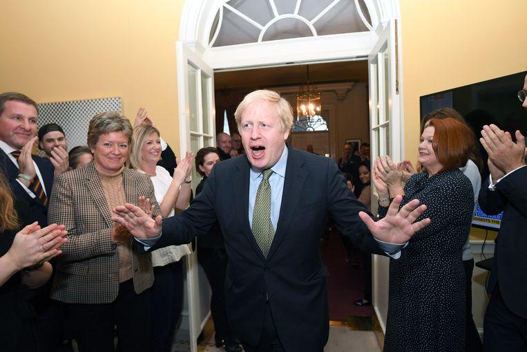 Boris Johnson komt terug op Downing Street 10 na zijn verkiezingsoverwinning eind 2019.  Beeld Getty Images