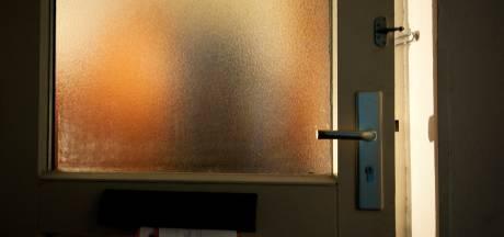 Woede om open deur leidde tot steekpartij in Dordtse woning: drieënhalf jaar cel geëist